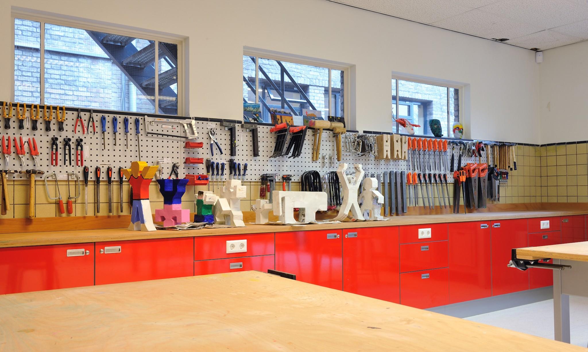 De ontwerpwerkplaats for Meubilair basisonderwijs