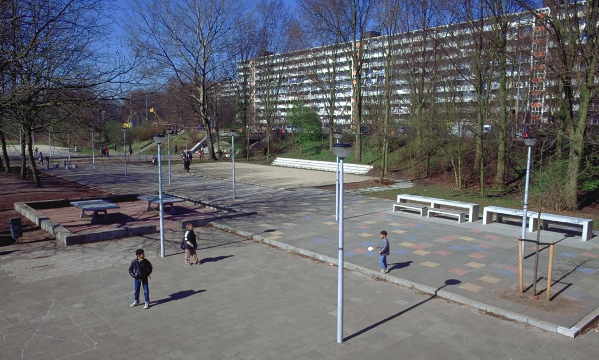 De Ontwerpwerkplaats, Gijs Niemeijer, Floor van Ditzhuyzen, Schoolpleinen Huntum, ontwerp schoolpleinen, inrichting publieke ruimte,,